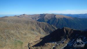 Valea Rea și piciorul pe care am coborât (dreapta)