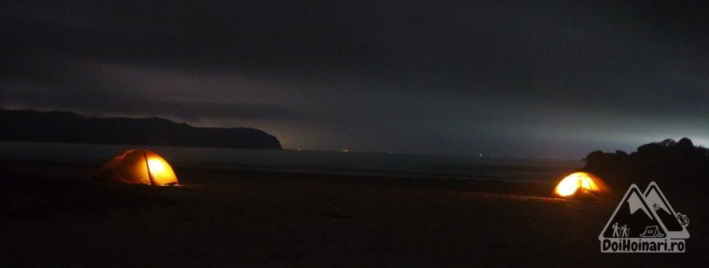 Corturi pe plaja Tai Wan