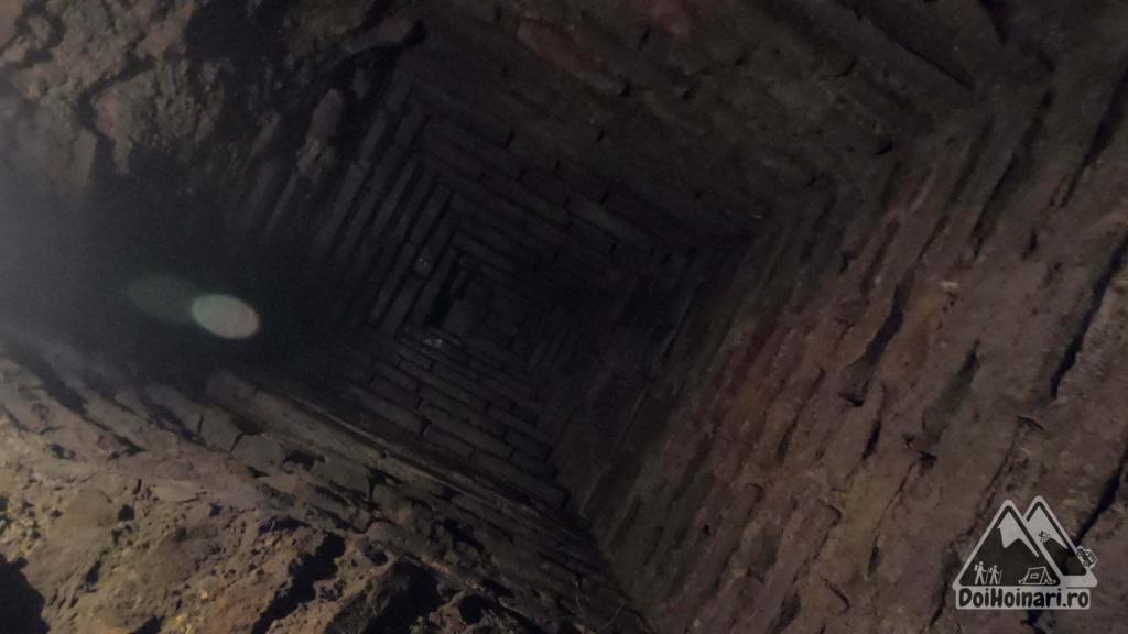 Fântâna Secretă - tavanul piramidă