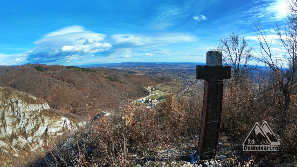 Crucea lui Ursache de pe muntele Pleșa