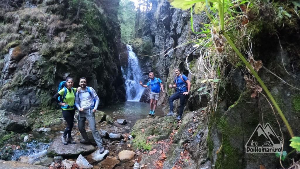 Cascada de pe Valea Lazărului